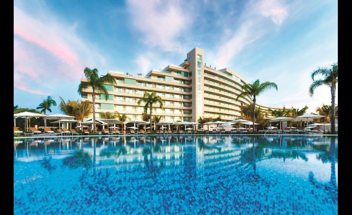 Hotel resort mundo imperial acapulco m xico pricetravel - Hoteles roma 5 estrellas ...