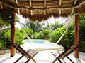 Img - Casita con piscina privada frente al mar