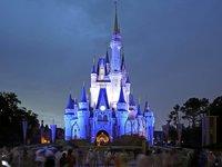Logo tour Disney Magia A Tu Manera: Visita Un Parque por Día